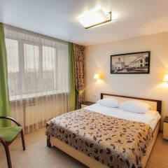 Гостиница Хакасия в Абакане 1 отзыв об отеле, цены и фото номеров - забронировать гостиницу Хакасия онлайн Абакан комната для гостей