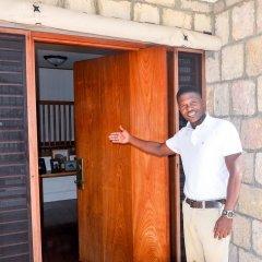 Отель Tallawah Villa, Silver Sands Jamaica 7BR сауна