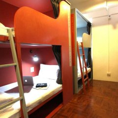 Отель Tkt's Row House Бангкок комната для гостей фото 3