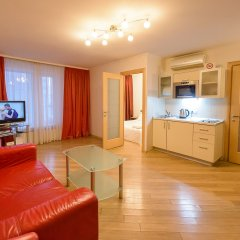 Гостиница Partner Guest House Khreschatyk комната для гостей фото 7