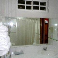 Отель Casa del Arbol Centro Гондурас, Сан-Педро-Сула - отзывы, цены и фото номеров - забронировать отель Casa del Arbol Centro онлайн ванная