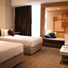 Отель Two Three Mansion Бангкок комната для гостей фото 4