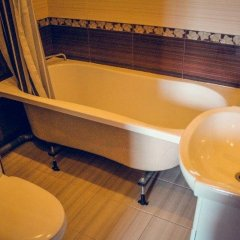 Гостиница Hostel Na Bratislavskoy в Москве отзывы, цены и фото номеров - забронировать гостиницу Hostel Na Bratislavskoy онлайн Москва ванная