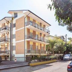 Отель Villa Maria Apartments Италия, Риччоне - отзывы, цены и фото номеров - забронировать отель Villa Maria Apartments онлайн вид на фасад