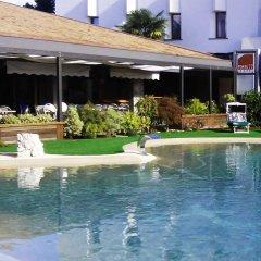 Hotel Posta 77 Сан-Джорджо-ин-Боско бассейн