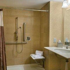 Отель Doubletree by Hilton Los Angeles Downtown ванная фото 2