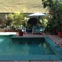 Отель Solimar Inn Suites бассейн
