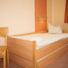 Отель JUGENDGASTEHAUS DRESDEN - Hostel Германия, Дрезден - 1 отзыв об отеле, цены и фото номеров - забронировать отель JUGENDGASTEHAUS DRESDEN - Hostel онлайн комната для гостей фото 5