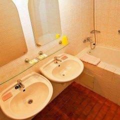Отель Spa Hotel Jadran Чехия, Карловы Вары - отзывы, цены и фото номеров - забронировать отель Spa Hotel Jadran онлайн ванная фото 2