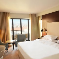 Отель Hyatt Regency Nice Palais de la Méditerranée 5* Стандартный номер с различными типами кроватей фото 9