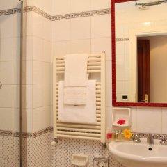 Отель Pensione Accademia - Villa Maravege Италия, Венеция - отзывы, цены и фото номеров - забронировать отель Pensione Accademia - Villa Maravege онлайн ванная фото 2