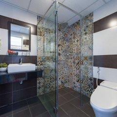 Отель Nuni Homestay Хойан ванная фото 2