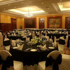 Отель The LaLiT Mumbai