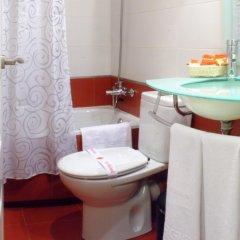 Отель Hostal Santillan Испания, Мадрид - отзывы, цены и фото номеров - забронировать отель Hostal Santillan онлайн ванная фото 2