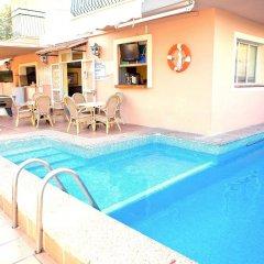 Hotel Gabarda & Gil бассейн