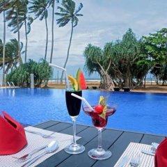 Отель Coco Royal Beach Resort - Waskaduwa бассейн фото 3