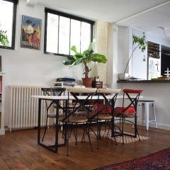 Апартаменты Spacious 2 Bedroom Loft Style Apartment гостиничный бар