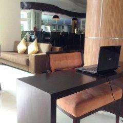 Отель August Suites Pattaya Паттайя интерьер отеля фото 6