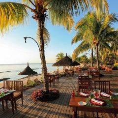 Отель Victoria Beachcomber Resort & Spa питание