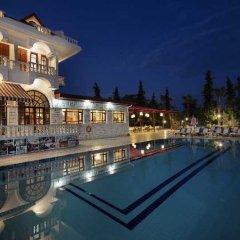 Отель Larissa Mare Beach бассейн