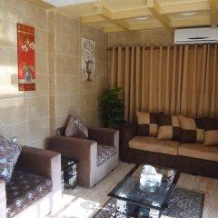 Отель Amir Palace Aqaba комната для гостей