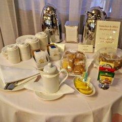 Santa Barbara Hotel Сан-Донато-Миланезе питание фото 2