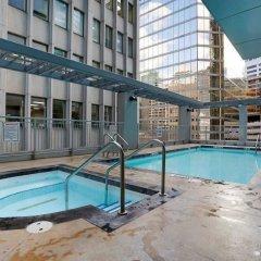 Отель Coast Coal Harbour Hotel Канада, Ванкувер - отзывы, цены и фото номеров - забронировать отель Coast Coal Harbour Hotel онлайн бассейн фото 2