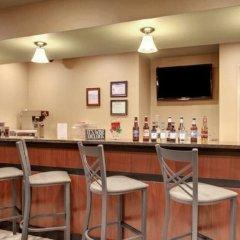 Отель Cobblestone Inn & Suites - Altamont гостиничный бар
