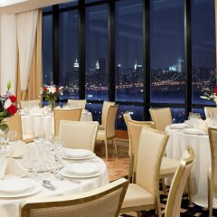 Отель Four Points by Sheraton Long Island City