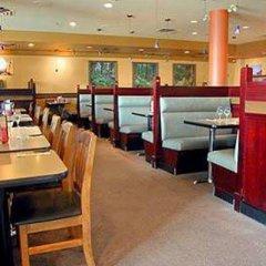 Отель Coast Vancouver Airport Канада, Ванкувер - отзывы, цены и фото номеров - забронировать отель Coast Vancouver Airport онлайн питание