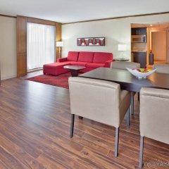 Отель Crowne Plaza Gatineau-Ottawa Канада, Гатино - отзывы, цены и фото номеров - забронировать отель Crowne Plaza Gatineau-Ottawa онлайн комната для гостей фото 2