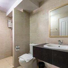 Отель Double Two@Sathorn Бангкок ванная