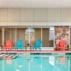 Clarion Hotel Buffalo Airport бассейн фото 3