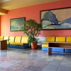 Отель Briz 2 Hotel Болгария, Варна - отзывы, цены и фото номеров - забронировать отель Briz 2 Hotel онлайн интерьер отеля фото 2