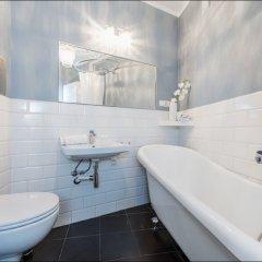 Отель P&O Apartments Mazowiecka Польша, Варшава - отзывы, цены и фото номеров - забронировать отель P&O Apartments Mazowiecka онлайн ванная