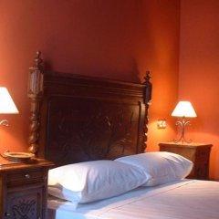 Отель Pazo de Galegos сейф в номере