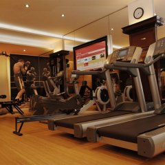 Hotel Plaza Athenee Париж фитнесс-зал