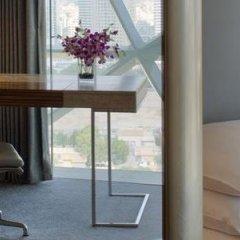 Отель Andaz Capital Gate Abu Dhabi - A Concept By Hyatt Абу-Даби удобства в номере фото 2