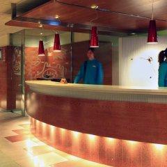 Aqua Hotel Montagut Suites интерьер отеля