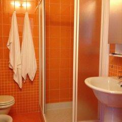 Отель Residence Corte della Vittoria Италия, Парма - отзывы, цены и фото номеров - забронировать отель Residence Corte della Vittoria онлайн ванная фото 2