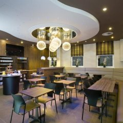 Eden Plaza Kensington Hotel гостиничный бар