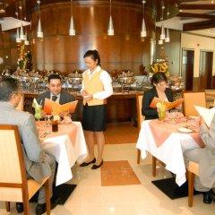 Sharjah Premiere Hotel & Resort питание фото 3