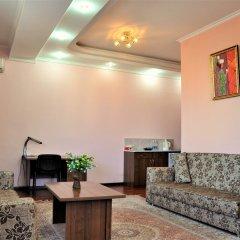 Отель Вилла Отель Бишкек Кыргызстан, Бишкек - отзывы, цены и фото номеров - забронировать отель Вилла Отель Бишкек онлайн комната для гостей фото 4