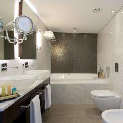 Отель Crowne Plaza Tel Aviv Beach ванная