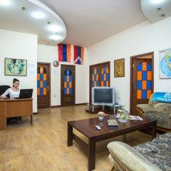 Отель One Way Hostel & Tours Армения, Ереван - отзывы, цены и фото номеров - забронировать отель One Way Hostel & Tours онлайн комната для гостей фото 5
