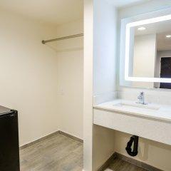 Отель Hollywood Inn Express LAX ванная