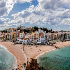 Отель Villa in Blanes - 104827 by MO Rentals Испания, Бланес - отзывы, цены и фото номеров - забронировать отель Villa in Blanes - 104827 by MO Rentals онлайн пляж фото 2