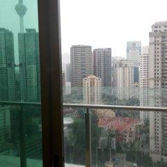 Отель Tawassil Suites @ Swiss Garden Малайзия, Куала-Лумпур - отзывы, цены и фото номеров - забронировать отель Tawassil Suites @ Swiss Garden онлайн балкон