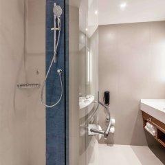 Отель Hilton Garden Inn Dubai Al Jadaf Culture Village ОАЭ, Дубай - 1 отзыв об отеле, цены и фото номеров - забронировать отель Hilton Garden Inn Dubai Al Jadaf Culture Village онлайн ванная фото 2