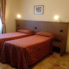 Отель York комната для гостей фото 4